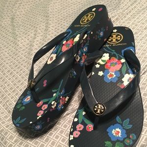 Size 10 NEW Tory Burch flip flops